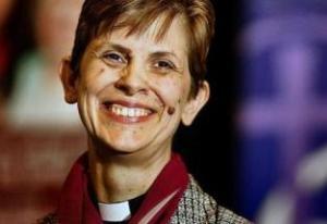 Libby-Lane-primera-obispa-anglicana-002